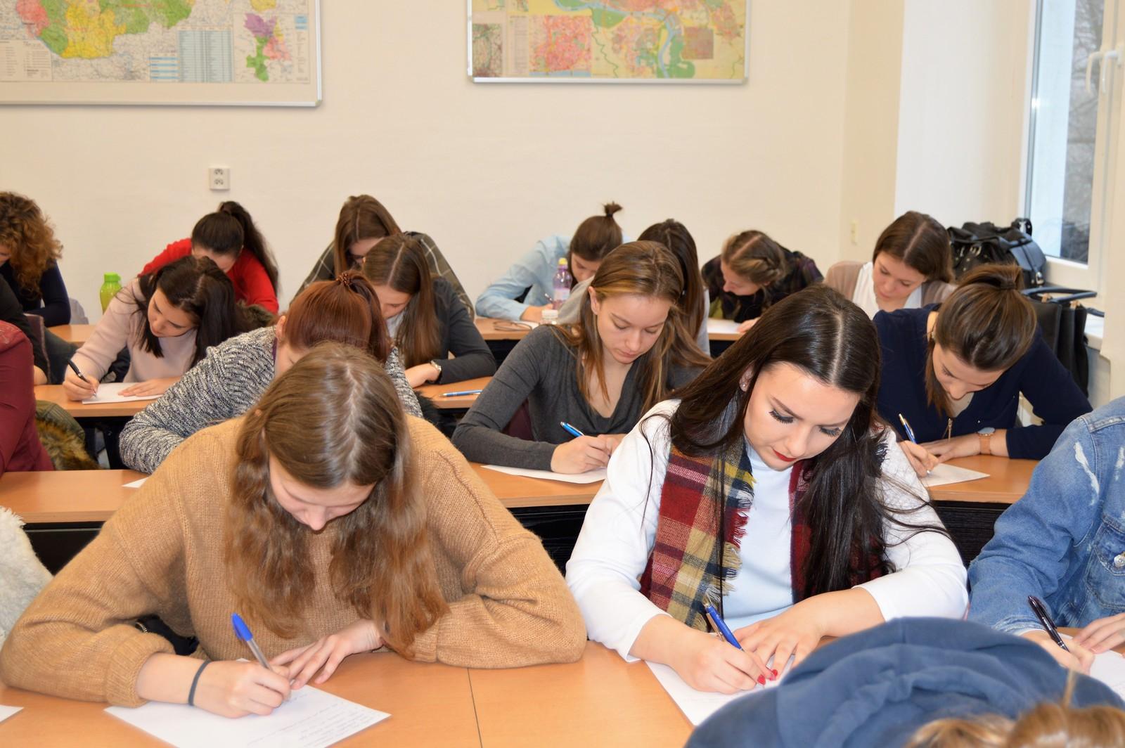 Situácia: Absolvent vysokej školy bude pokračovať v štúdiu na II.
